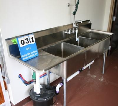 JOHN BOOS 3 BAY STAINLESS STEEL SINK WITH FAUCETS AND SPRAY WANDS , APPROX.  6u0027 LONG